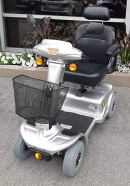 High-End Used Power Wheelchair for Sale   Quantum Q6-Edge HD